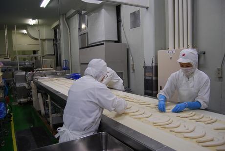 全国で売られる美味しいパンの「もと」を、あなたの手で作りませんか?冷凍生地の製造スタッフ募集!